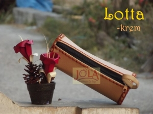 lotta-tas-kerajinan-tas-jola-tas-rajut-tempat-pensil-tas-unik-handmade